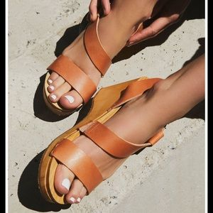 Free People Dune Beach Clogs in taupe